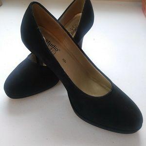 Studio 1940 Women's Suede Black Heels